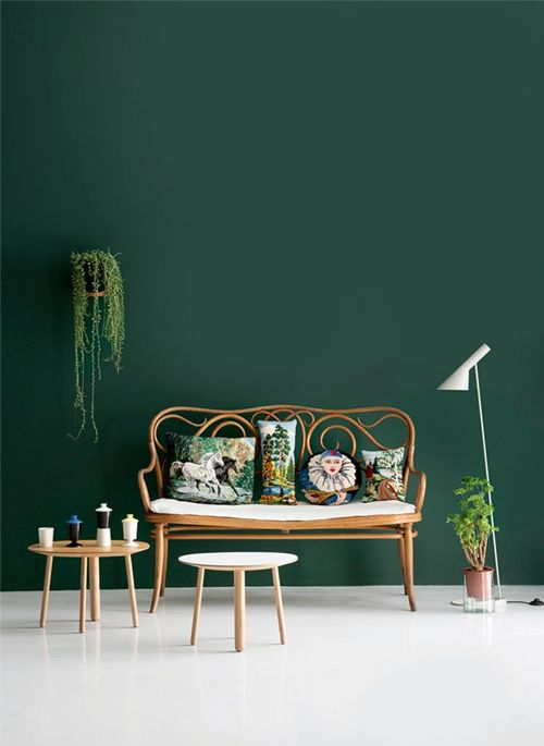 A SEDUCTIVE DECORATIVE TREND WITH EMERALD GREEN